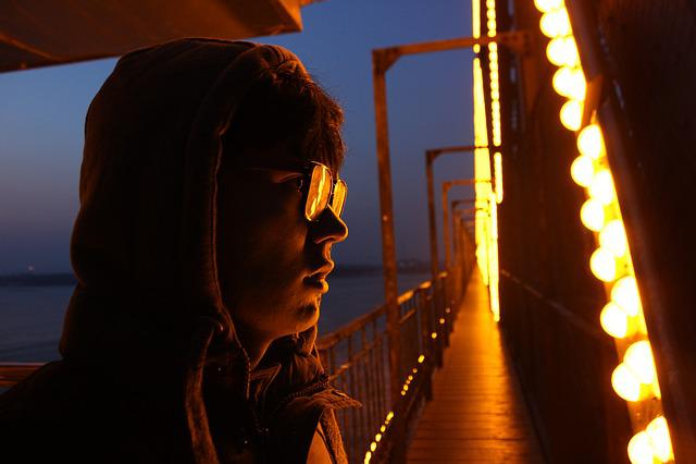Harbin, Bridge, Memories Of Sophomore, Night, Man