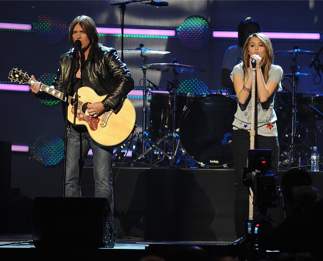 Billy Ray Cyrus, Miley Cyrus, Performance, Entertainers