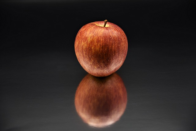 Apple, Red, Mirroring, Fruit, Eat, Delicious, Food