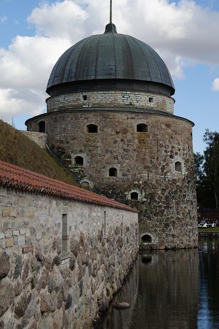 Vadstena, Castle, Sweden, Castle Tower, Moat, Vättern