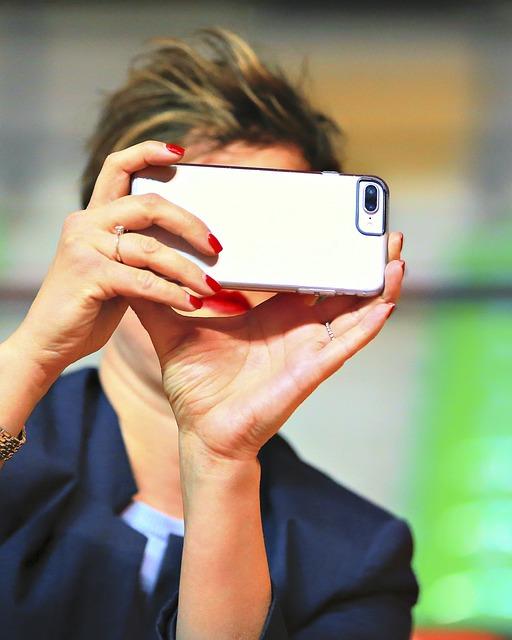 Photograph, Phone, Mobile Phone, Smartphone, Mobile