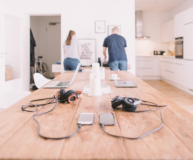 Gadgets, Headphones, Laptop, Mobile Phones, People