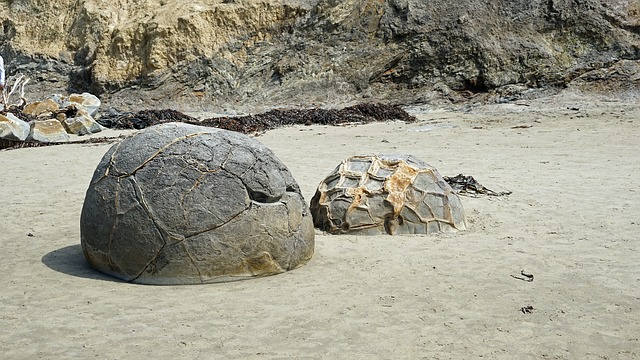 Moeraki Boulders, New Zealand, Huge Balls, Moeraki