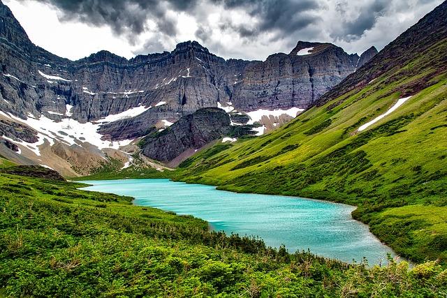 Cracker Lake, Glacier National Park, Montana, Mountains