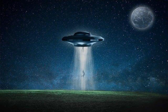 Spaceship, Spacescraft, Alien, Abduction, Galaxy, Moon