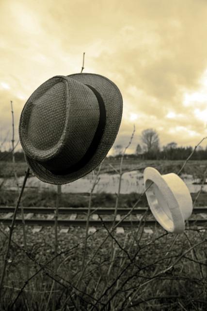 Straw Hat, Pair, Sky, Bluesman, Moor, Gleise