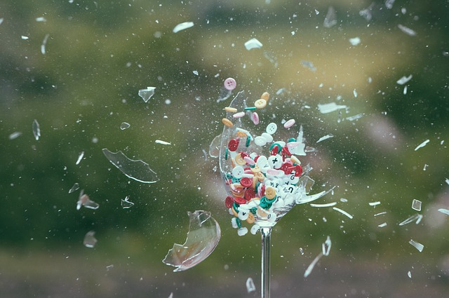 Explosion, Glass, Buttons, Exploding, Dynamic, Motion