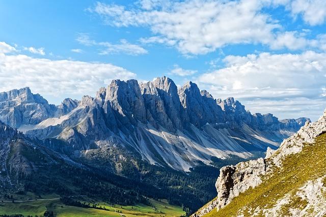 Villnösstal, Geisler Range, Dolomites, Mountains