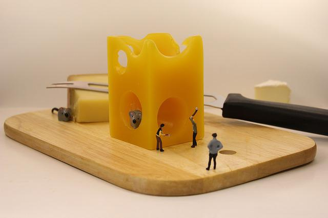 Miniature Figures, Mousetrap, Cheese, Cheese Board