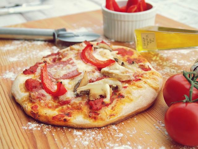 Pizza, Pizzas, Cheese, Mushrooms, Tomatoes, Paprika