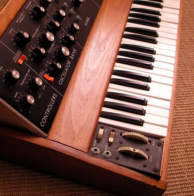 Minimoog, Keyboard Instrument, Music