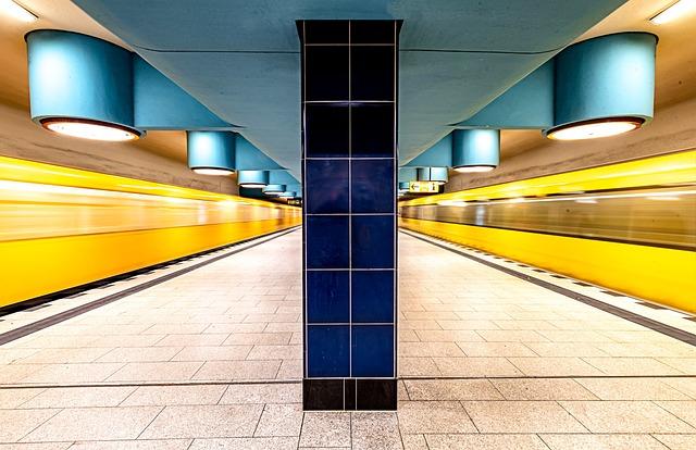 Berlin, Metro, Nauerner Square, Ubahn, Train