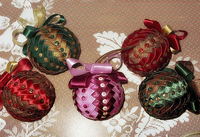 Christmas Baubles, Christmas Balls, Baubles, Needlework