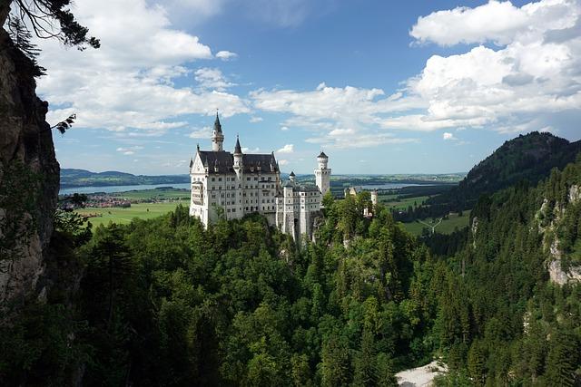 Castle, Kristin, Neuschwanstein Castle, 1900