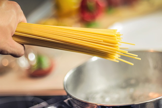 Spaghetti, Pasta, Noodles, Cooking, Food, Italian, Hand