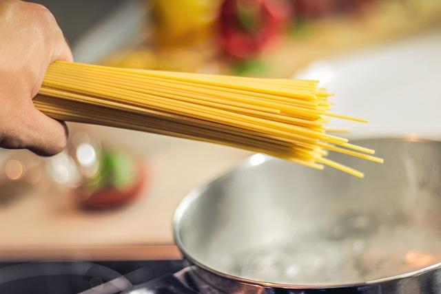Spaghetti, Pasta, Noodles, Cooking, Food, Italian, Hand