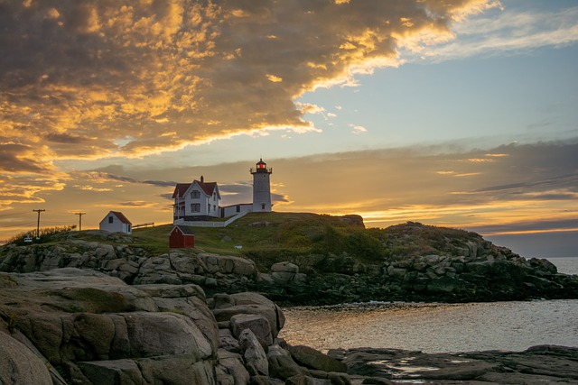 Lighthouse, Sunrise, Goldenlight, Nubble, Maine