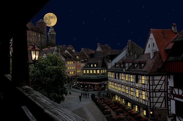 Nuremberg, Castle, Old Town, At Night, Moon, Lights