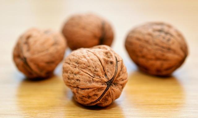 Walnuts, Nuts, Healthy, Shell, Brown, Tasty, Vitamins