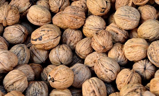 Walnut, Nuts, Teaser, Left Untreated, Market