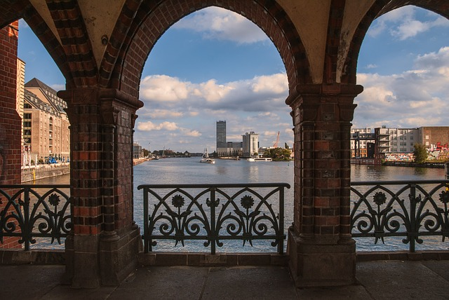 Berlin, Oberbaumbrücke, Friedrichshain, Kreuzberg