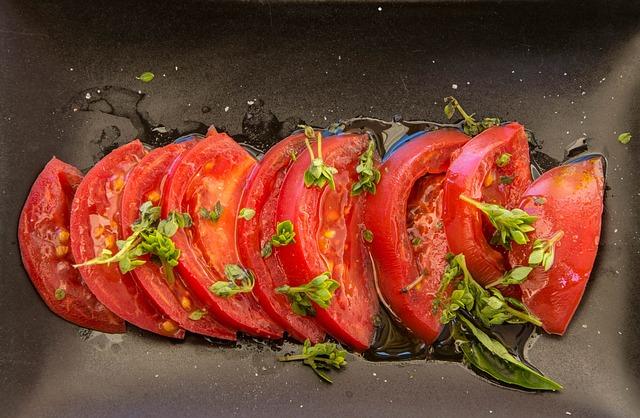 Tomatoes, Basil, Salad, Oil, Salt, Flat, Red