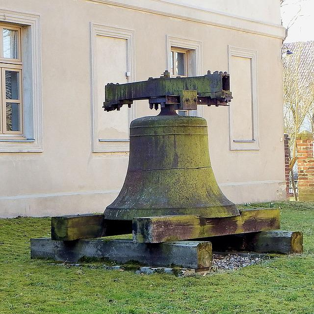 Bell, Church Bell, Old, Burst, Tower Bell