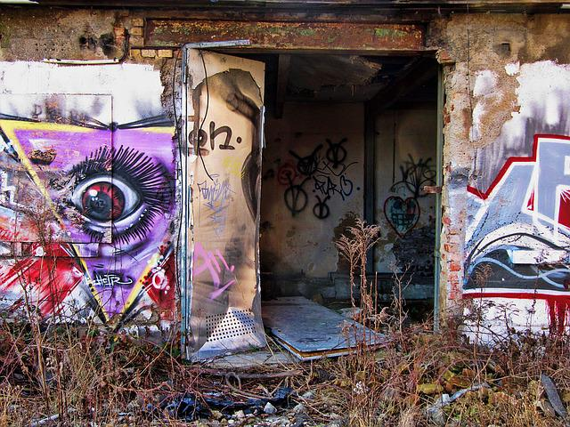 Factory, Building, Old, Lapsed, Hauswand, Ruin, Leave