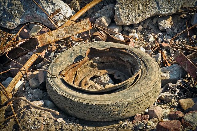 Garbage, Debris, Waste, Mature, Old, Scrap, Rot, Rubber