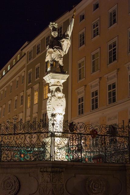 Salzburg, Old Town, Austria, Downtown, Stone Figure