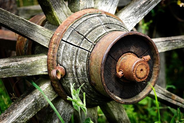 Old Wagon Wheel, Wooden Wheel, Hub, Rusted, Antique