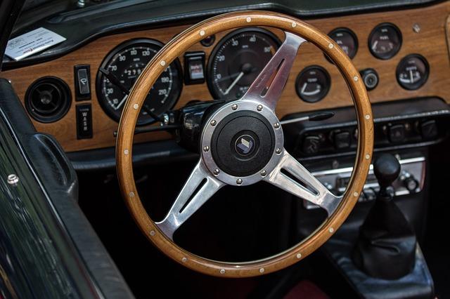 Auto, Triumph, Wood Steering Wheel, Oldtimer, Dashboard