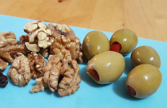 Walnut, Olive, Raisin, Chopping Board, Kitchen, Pepper