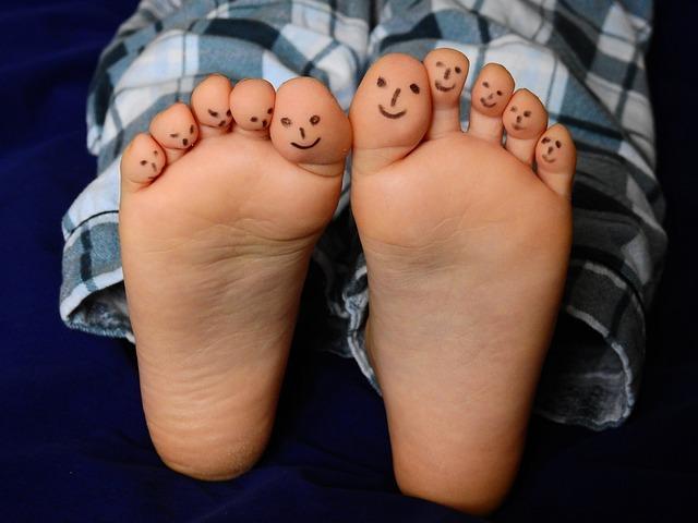 Feet, Ten, Barefoot, Child, Boy, Skin, Pajamas