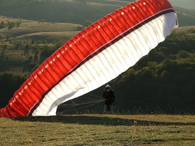 Parachute, Paragliding, Extreme Sport, Sport, Wind