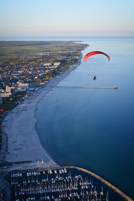 Paragliding, Paraglider, Flying, Sea, Coast, Baltic Sea