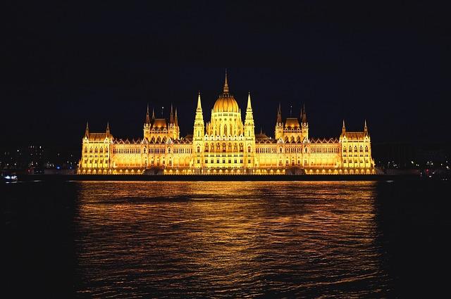 Budapest, Parliament, Danube, River, Building, Nočt′