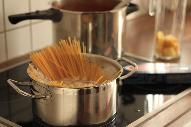 Cook, Spaghetti, Cooking Pot, Pasta, Carbohydrates
