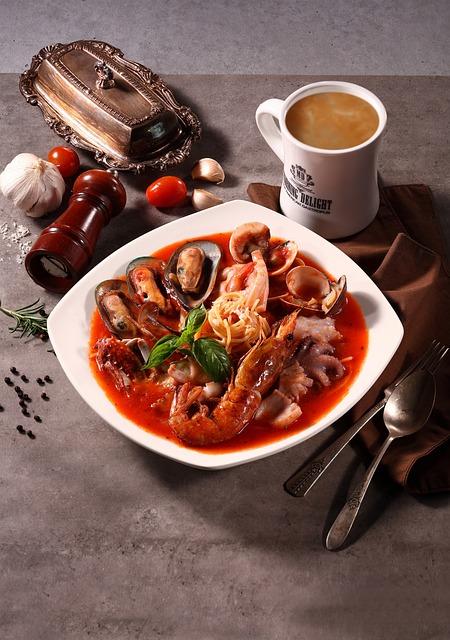 Spaghetti, Seafood, Dining, Pasta, Restaurant, Food