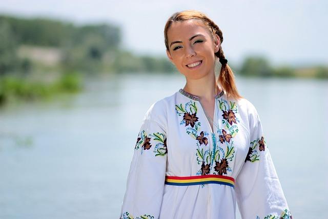 Girl, Peasant Woman, Tradition, Water, Suit, Dragaica