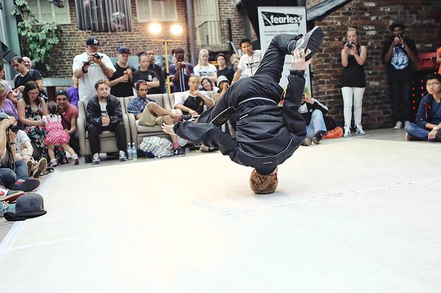 Breakdancing, Battle, Life, Males, People, Activity