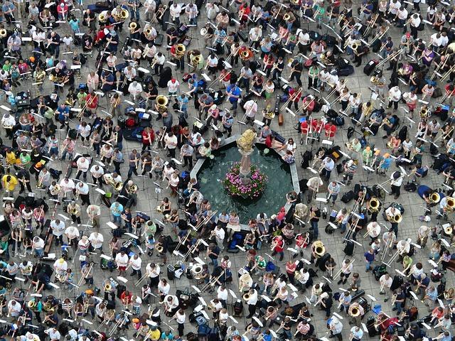 Quantitative, Mass, Group, Fountain, Human, People
