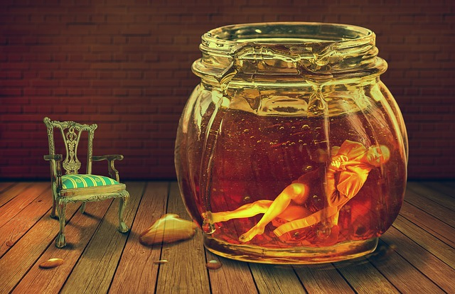 Honey, Underwater, Photomanipulation, The Jar Of Honey