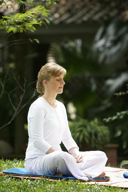 Woman, Buddhist, Meditate, Wat, Phra Dhammakaya, Temple