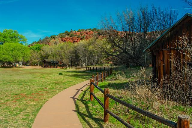 Arizona, Picnic Area, Walkway, Buildings, Travel