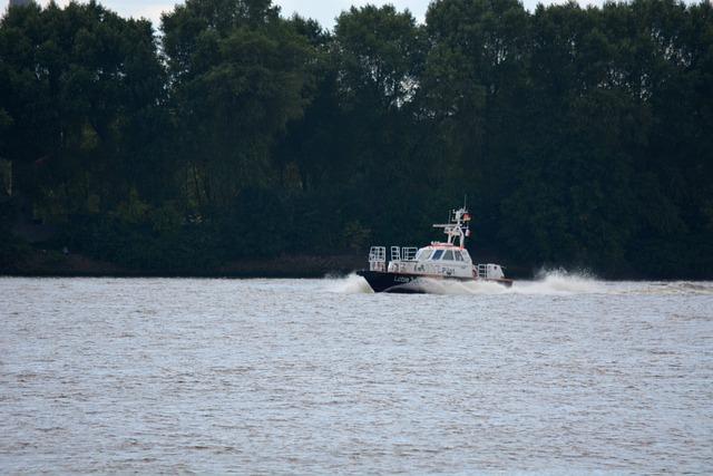 Transport, Ship, Pilot, Elbe, Fast Travel, Shipping