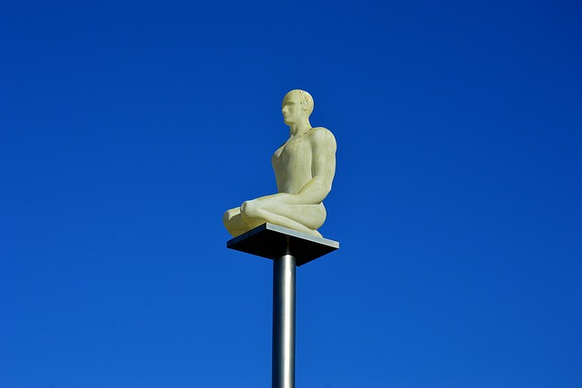 Status, Place Masséna, Nice Côte D'azur, Meditation