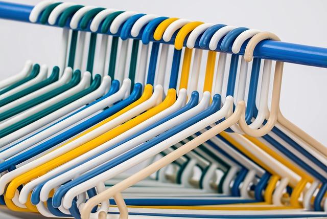 Clothes Hangers, Coat Hangers, Plastic Hanger, Hang