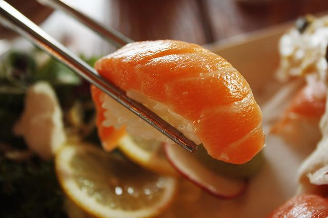 Salmon, Sushi, Dining Room, Restaurant, Japanese, Plate