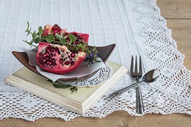 Pomegranate, Pomegranate Seeds, Fruit, Red, Cut Fruit